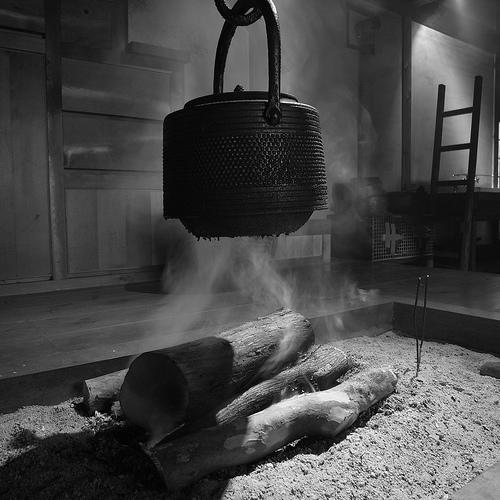 囲炉裏 Sunken hearth
