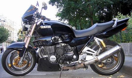 ヤマハXJR1300画像